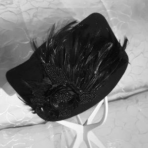 Elegant black hat